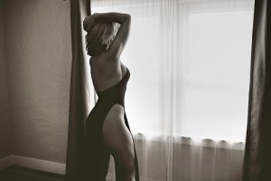 Inga escorts in Downers Grove Illinois