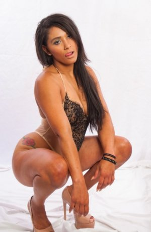 Sharleyne live escorts